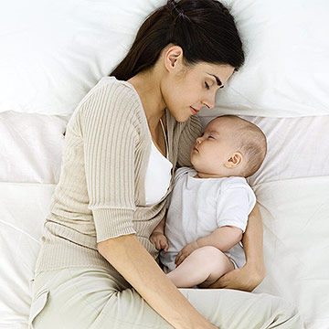 TEACH YOUR BABY HOW TO SLEEP IN 7 DAYS Before trying this sleep training thing, you should know that different routines work for different babies. Usually, bed time was always past 8:30pm, 9, 10, 11pm, and if your baby isn't fully asleep when we put her in the crib, she would wake up screaming.