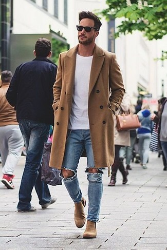 How To Wear a Camel Overcoat With a White Crew-neck T-shirt 2