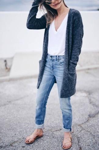 03a923deb6 Grey Cardigan + V-Neck T-Shirt + Thing Sandals