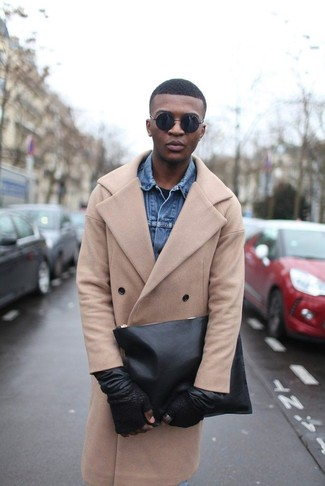 How To Wear a Camel Overcoat With a Black Crew-neck T-shirt 2
